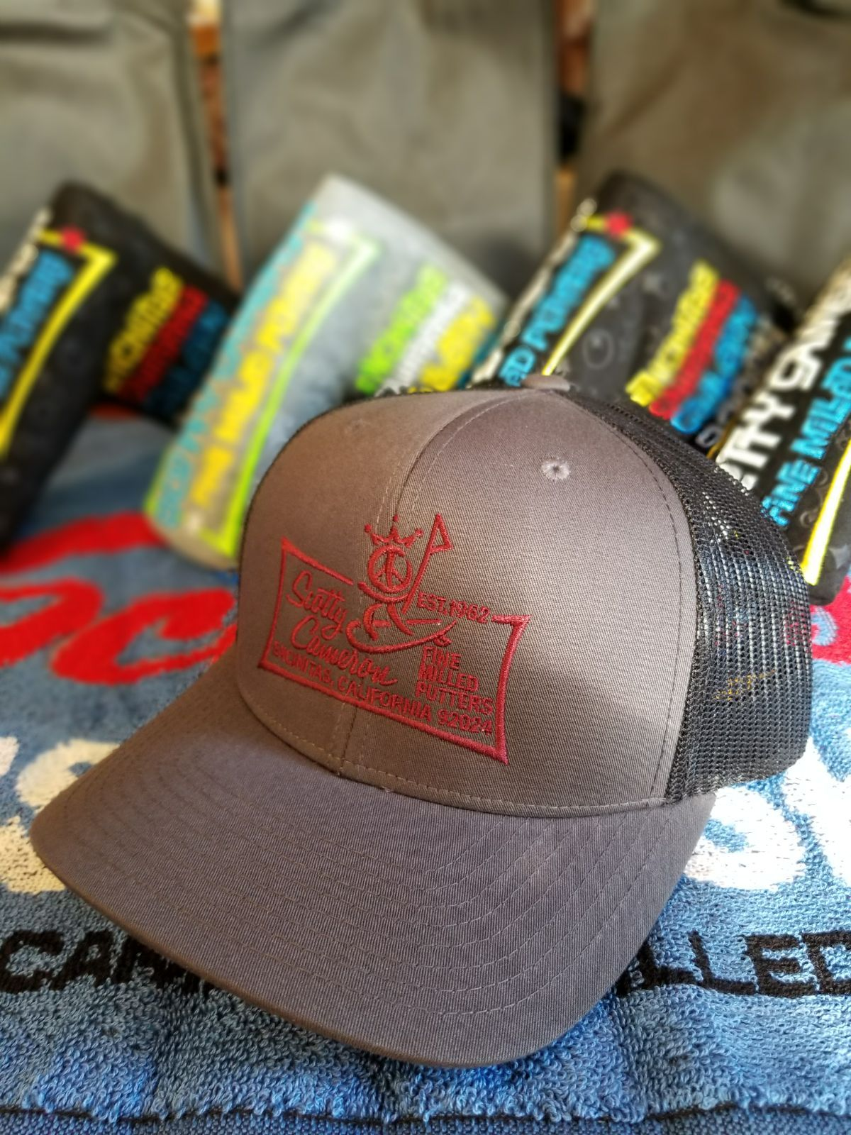 Peaceman Surfer Mesh Snapback Scotty Cameron Gallery Custom Shop Golf Hat  Charcoal Gray I would also bcd6b6ff96c