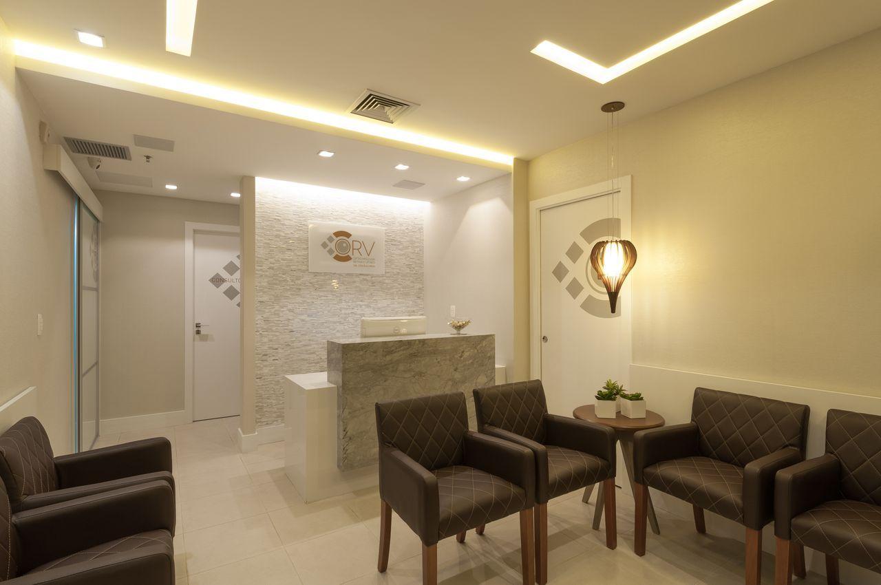 Fabuloso Sala de Espera Clean com Poltronas Marrons | Consultório  JT27