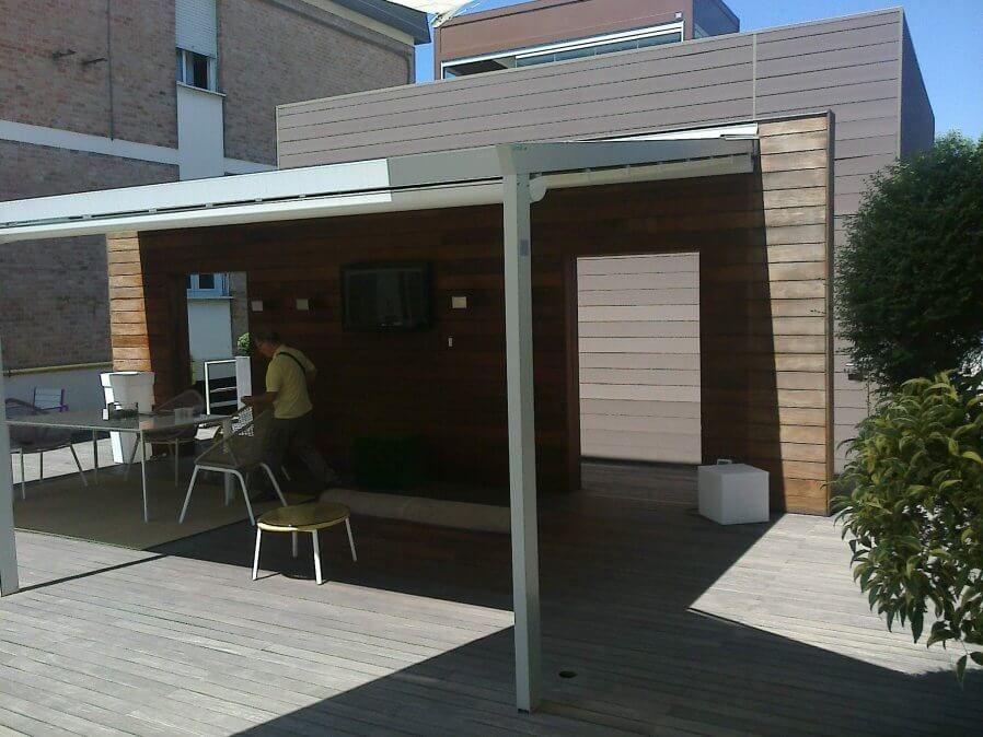 Coberti Pergotenda Palladia Vista Exterior Pergola Pergotenda Aluminio Palladia Porche Terraza Jardin Corradi C Cerramientos Terrazas Malaga Aluminio