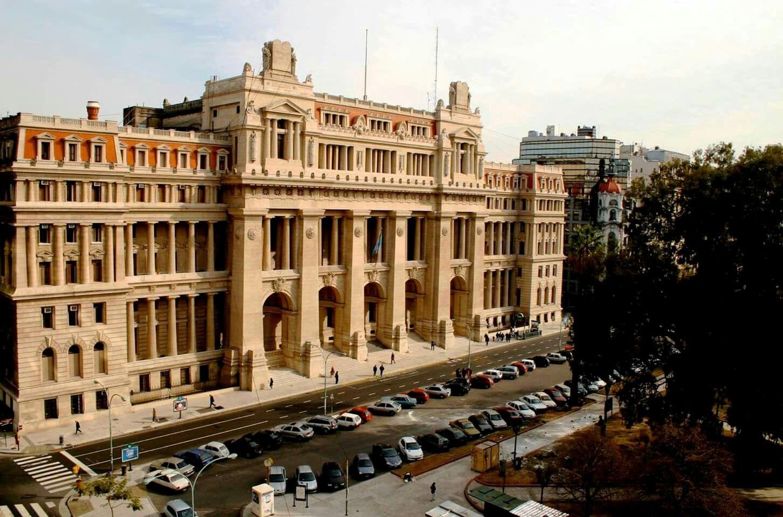 Palacio De Justicia Poder Judicial De La Nacion Talcahuano 600