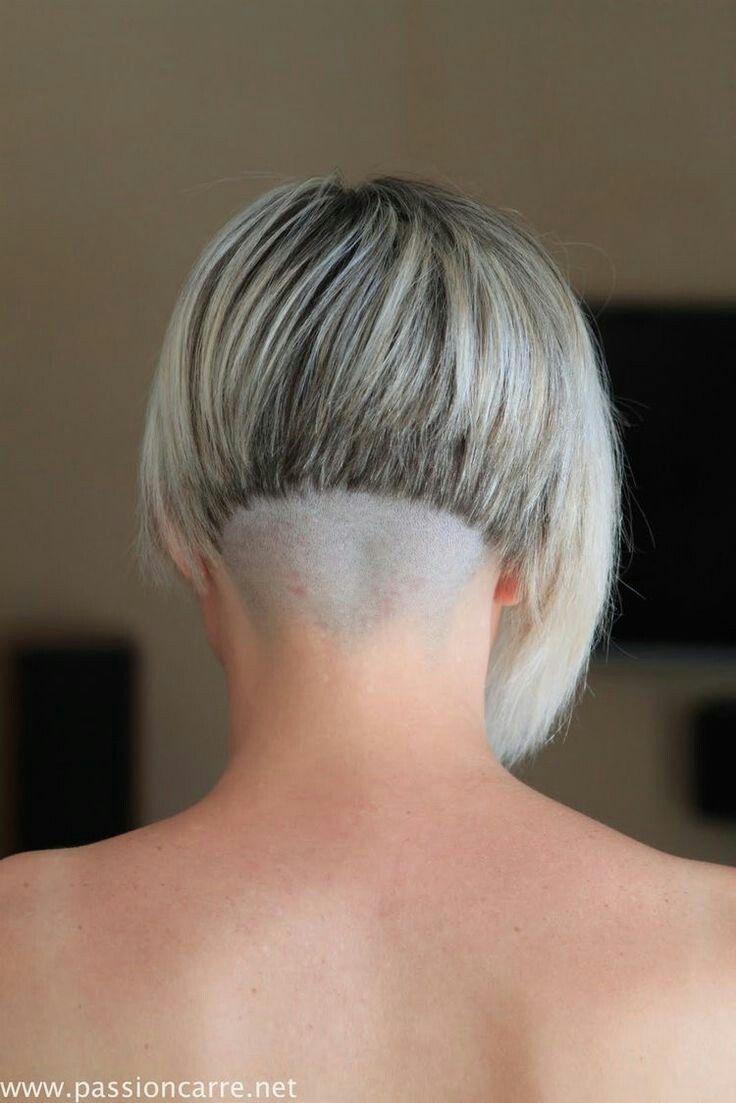 #hairdare #style #beauty #hair   Carré plongeant nuque rasé, Nuque rasée, Carré plongeant nuque