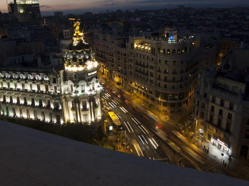 Gran Via En La Noche Azotea Del Circulo De Bellas Artes Madrid Circulo De Bellas Artes Arte Madrid Madre Arte