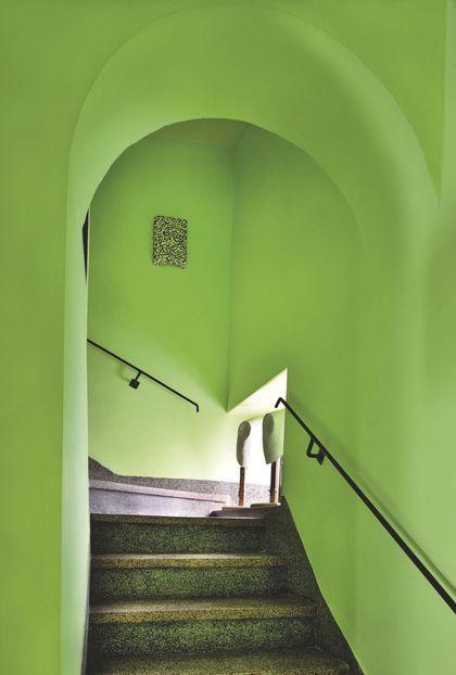 Montée des marches en cascade de vert anis | Tanger au maroc ...