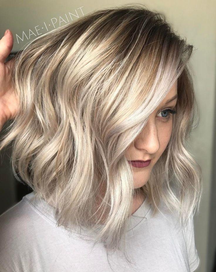Trendy hair highlights silver and golden blonde bob - Bob silberblond ...