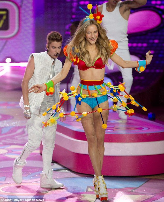 Living The Fantasy Delighted Justin Bieber Eyes Up The Models As
