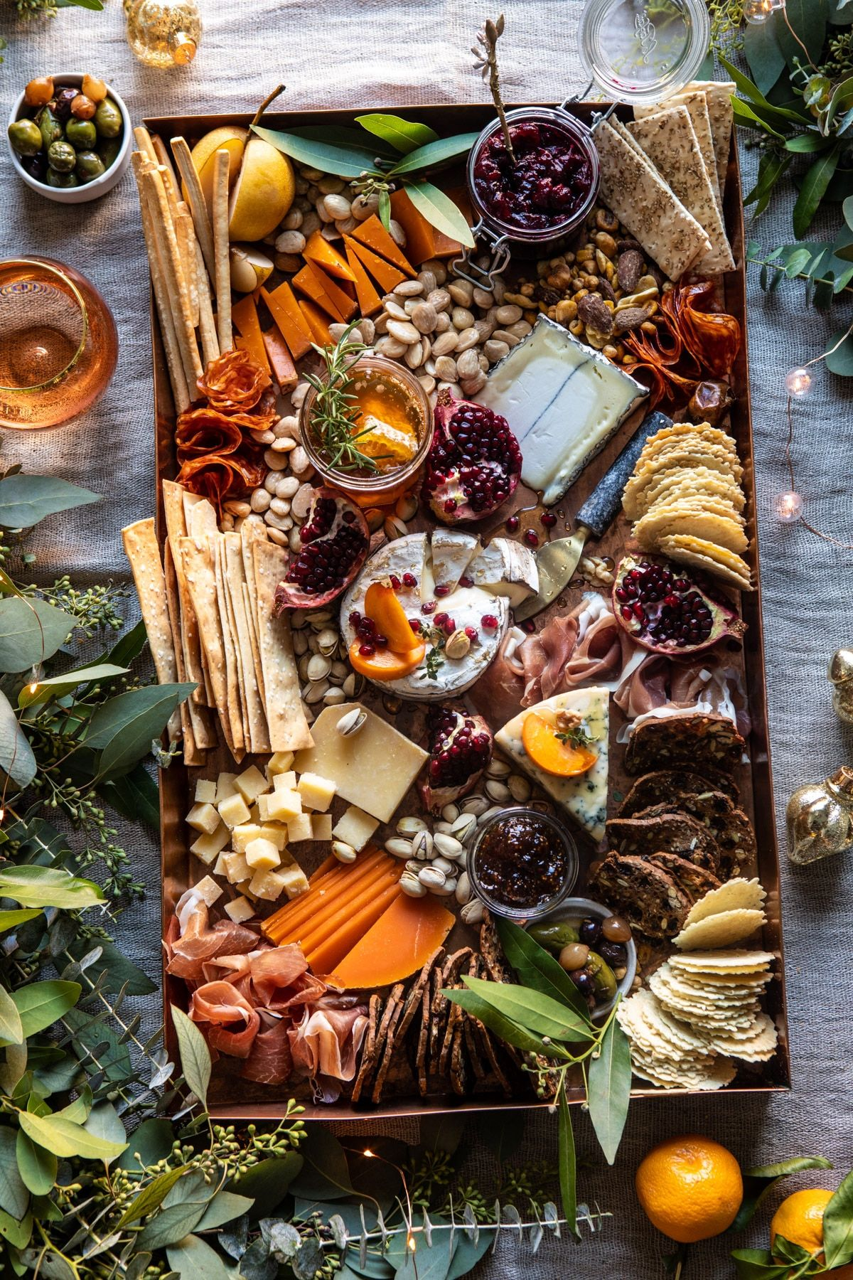 How to Make an Easy Holiday Cheese Board.