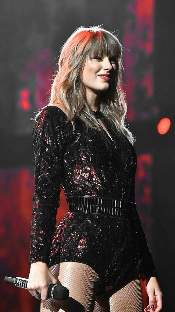 reddit: the front page of the internet   Taylor swift hot