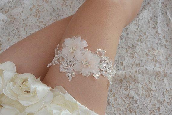 bridal garter S-17 Wedding Garter off white Lace Garter
