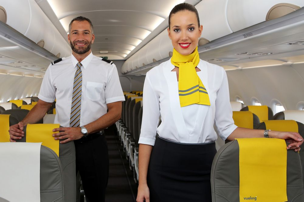 vueling airlines cabin crew | mp of/casual | pinterest | aérien y