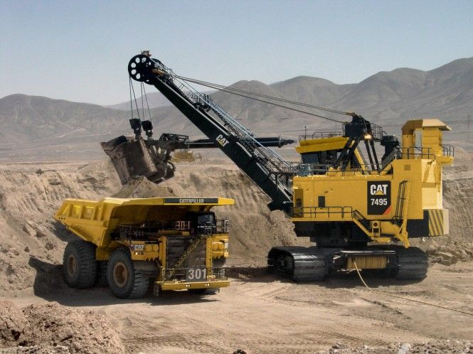 cat 797f | of 3 The Cat 7495 shovel loading 797F is a heavy