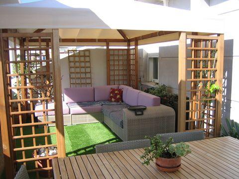 Terraza con mucho encanto la de este tico en el centro de for Para desarrollar su apartamento con terraza