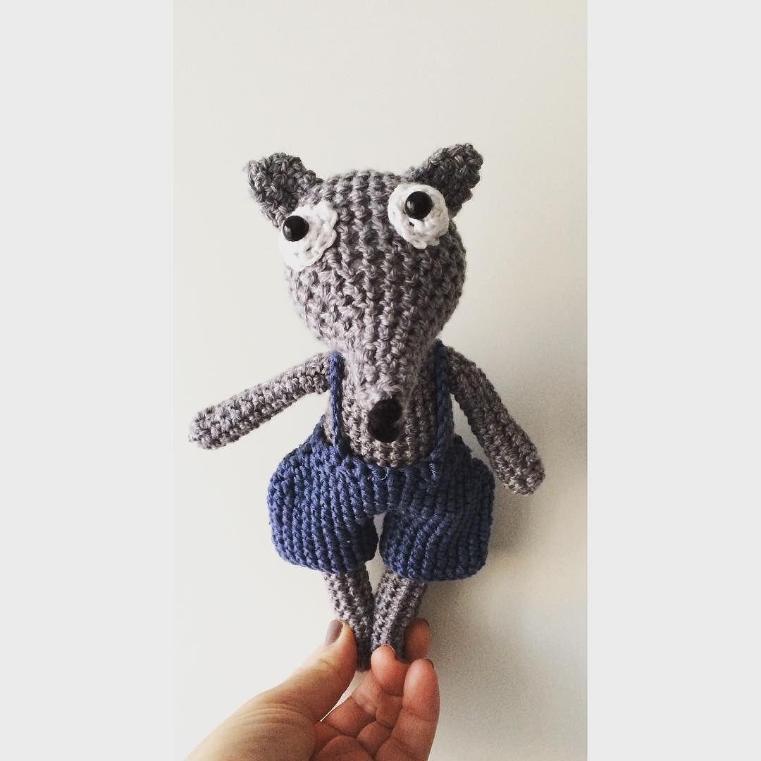 Ich habe heute ein neues aiagumi Mitglied designt . Wie findet ihr ihn? Also ich bin verliebt  #crochet#wolf#handmade#crochetdoll#love#handmade#baby#kid#boy#amigurumi#aiagumi by aiagumi