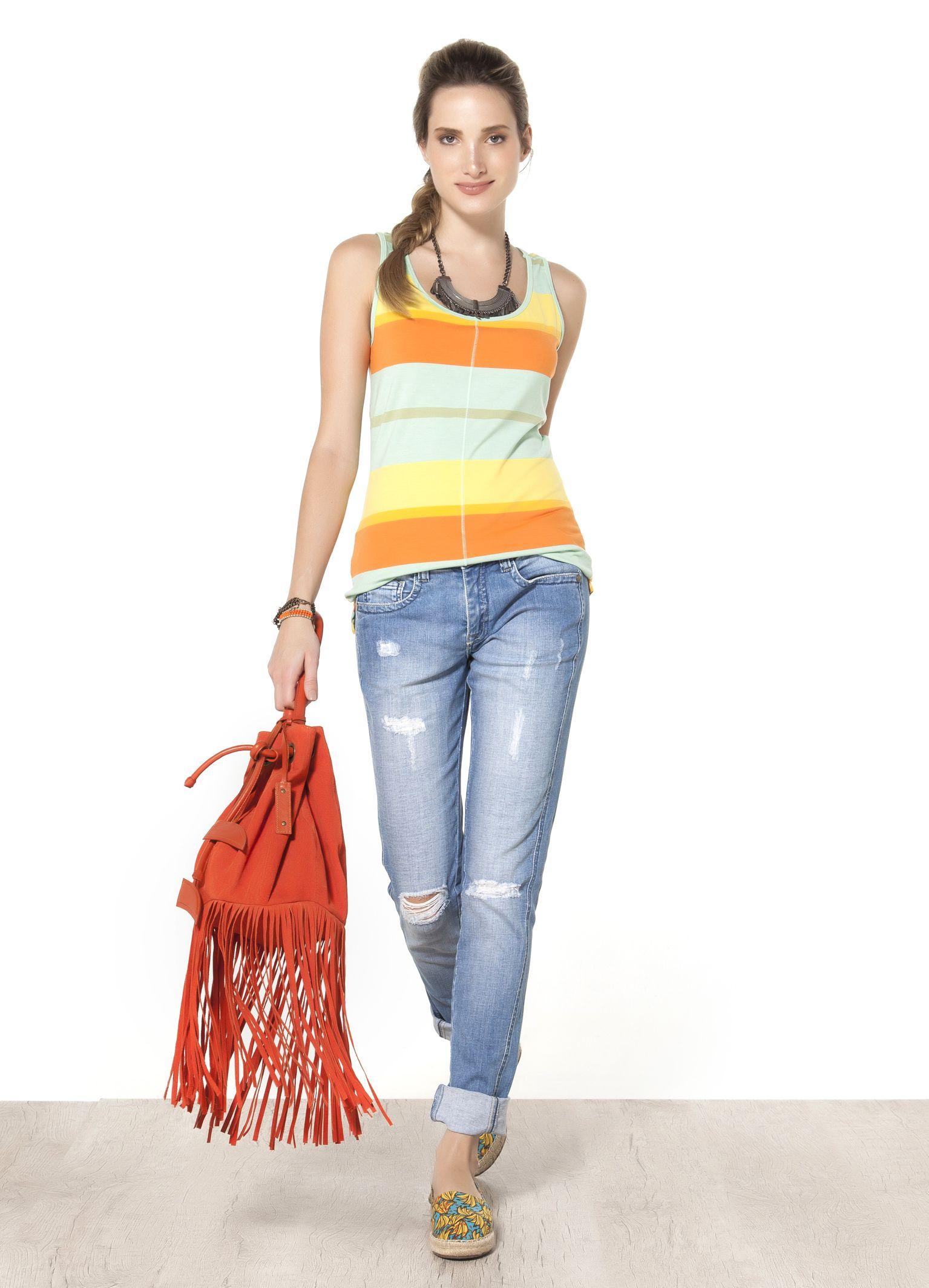 CALCA JEANS I SKINNY RASGADA - Calças - Origem - Cantão - Calça jeans com modelagem skinny, cintura intermediária com rasgos e puídos localizados. Com pegada jovem, é peça indispensável para trazer um toque urbano a blusas da linha Cantão Básico.
