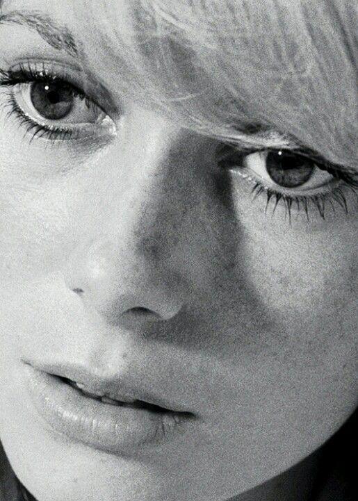 Catherine Deneuve Repulsion 1965 Fernando Pessoa Da Il