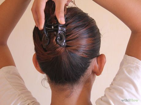 How To Put Your Hair Up With A Jaw Clip 5 Steps With Pictures Hair Hacks Up Hairstyles Halo Hair Extensions