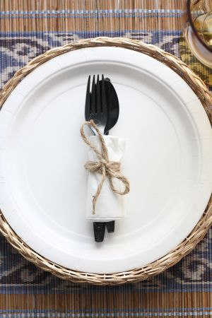I love woven basket paper plate holders picnic and eat outdoors more often & I love woven basket paper plate holders picnic and eat outdoors ...