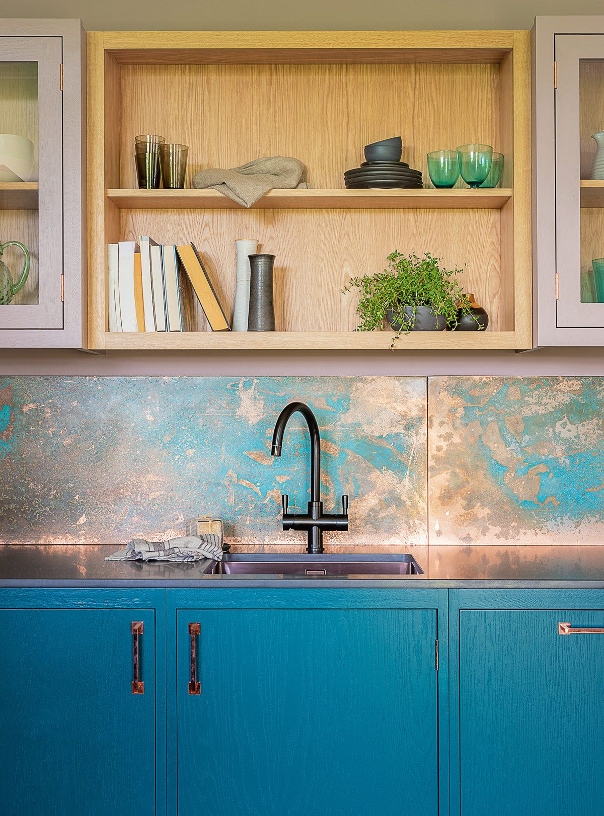Best Step Up Your Kitchen Style With The Latest Design Trends 400 x 300