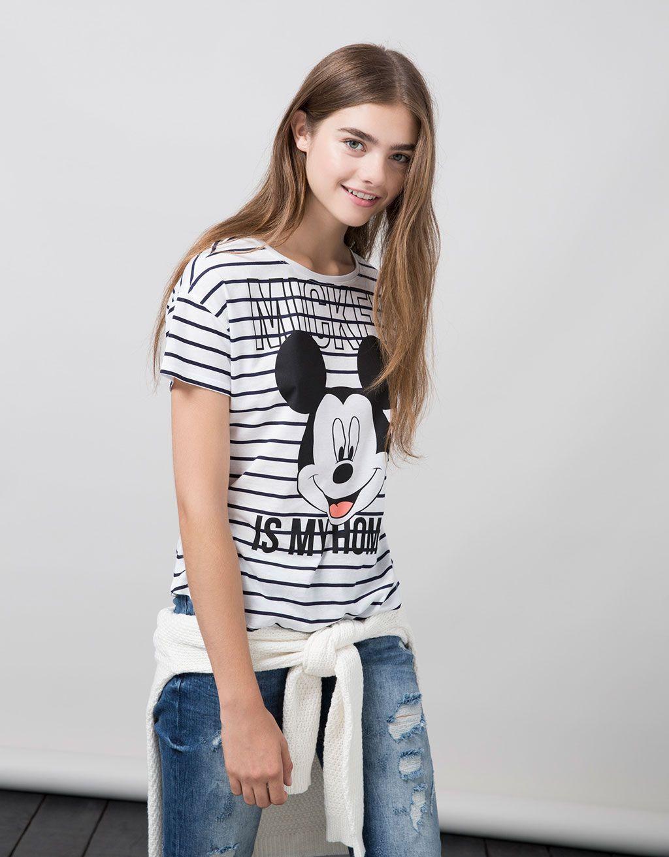 T-shirt BSK estampado Mickey Mouse. Descubra esta e muitas outras roupas na  Bershka com novos artigos cada semana 415783c7966f1