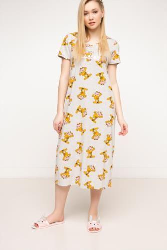 Ev Giyim Ust Garfield Baskili Lisansli Pijama Ustu Moda Stilleri Moda Giyim
