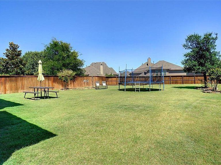 8624 Dayton Dr Lantana Tx 76226 Mls 14091817 Zillow Lantana Bank Owned Homes Waterfront Homes