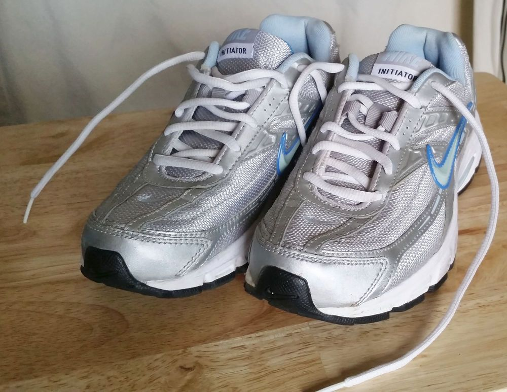Damens's Nike Initiator Running Schuhes US 6.5 Silver 394053 001 001 001 USED 2bc2ff