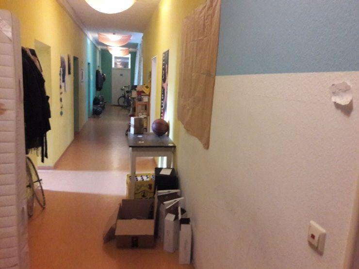 Zimmer In Handelwohnheim Ggf Mit Dauerhafter Option Zimmer