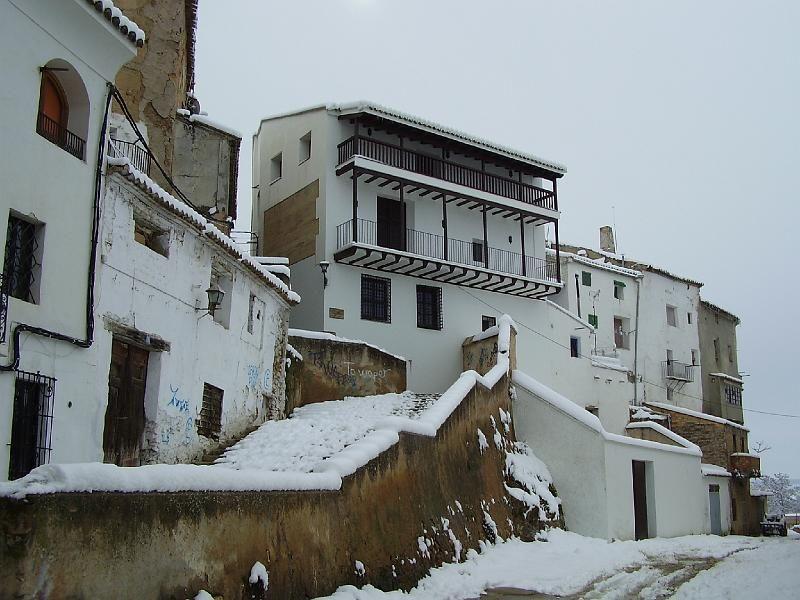 Requena nevada - Cuesta del Angel y al fondo Museo Florencio Lafuente.
