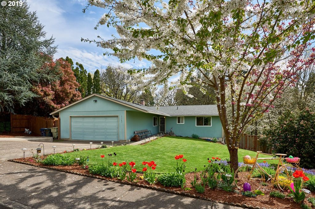 19080 Sw Blaine Ter Beaverton Or 97003 3 Beds 2 Baths 1 316 Sqft Sold 387 000 5 30 2019 Zestimate 381 With Images Forced Air Heating Porch Patio Outdoor Structures