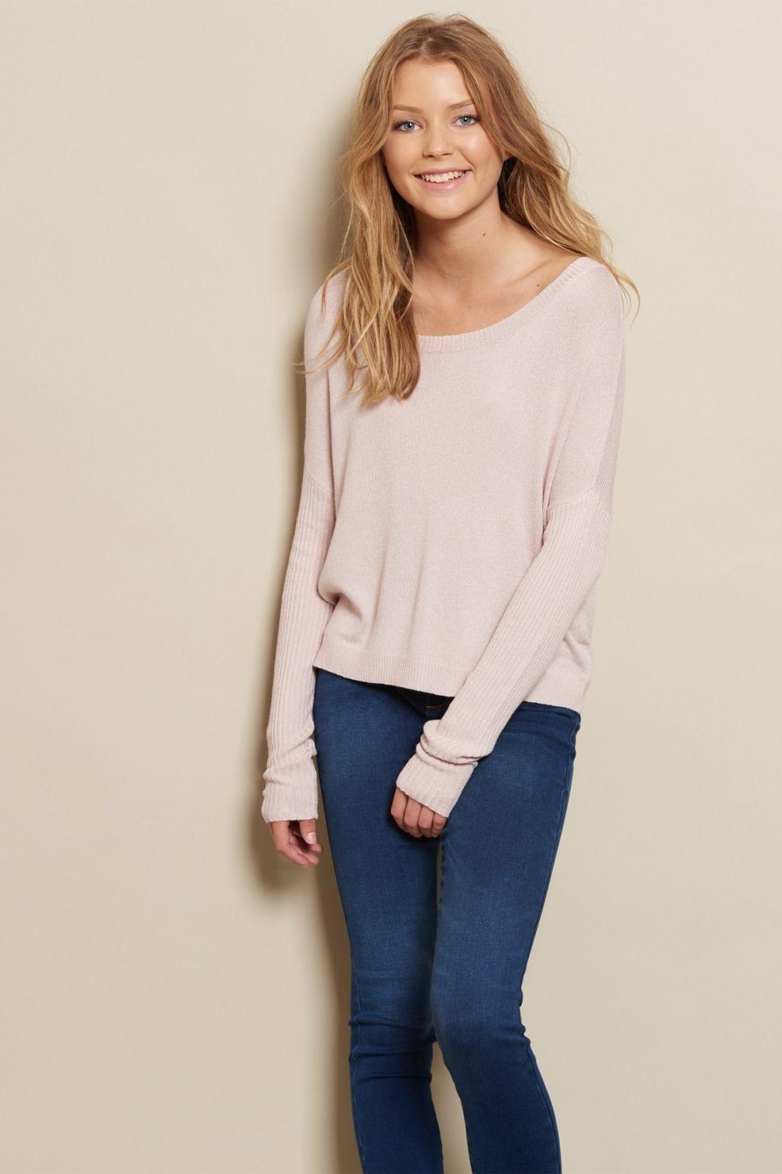 Cozy & cute. Cozy Sweater / Shop the look: https://goo.gl/HpmVfO ...