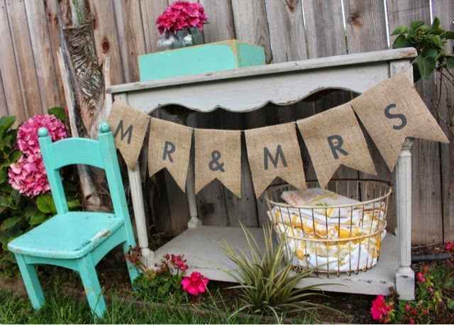 Burlap Banner Tutorial DIY rustic vintage garden wedding decor