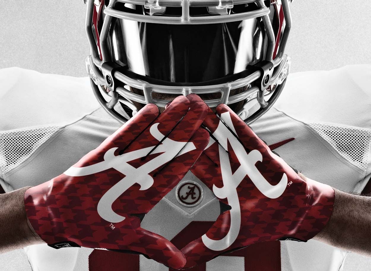 Alabama Football Player S Insane Collection Of Championship Rings Alabama Football Pictures Alabama Football Alabama Crimson Tide Football