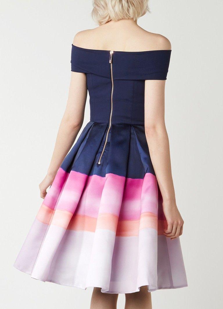 Op zoek naar Ted Baker Hollii off shoulder A-lijn midi-jurk met kleurcontrast ? Ma t/m za voor 22.00 uur besteld, morgen in huis door PostNL.Gratis retourneren.