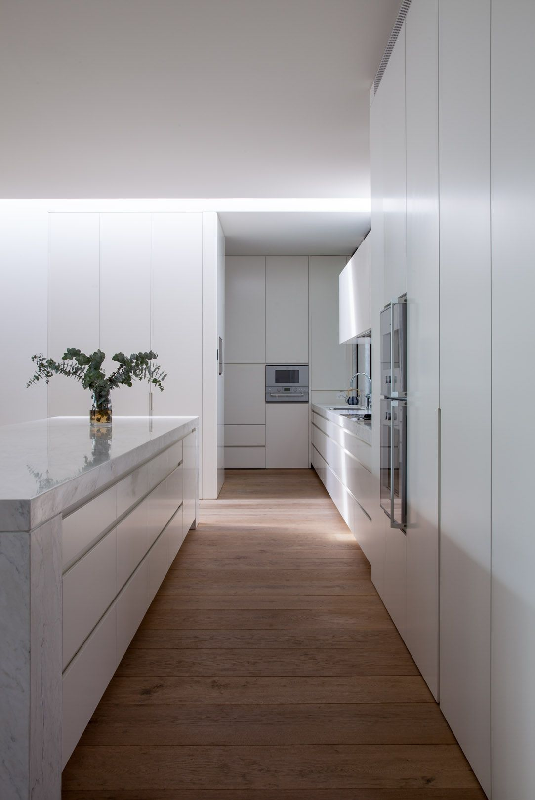 Pin de deno agreda en interiors pinterest cocinas for Modelos de cocina comedor