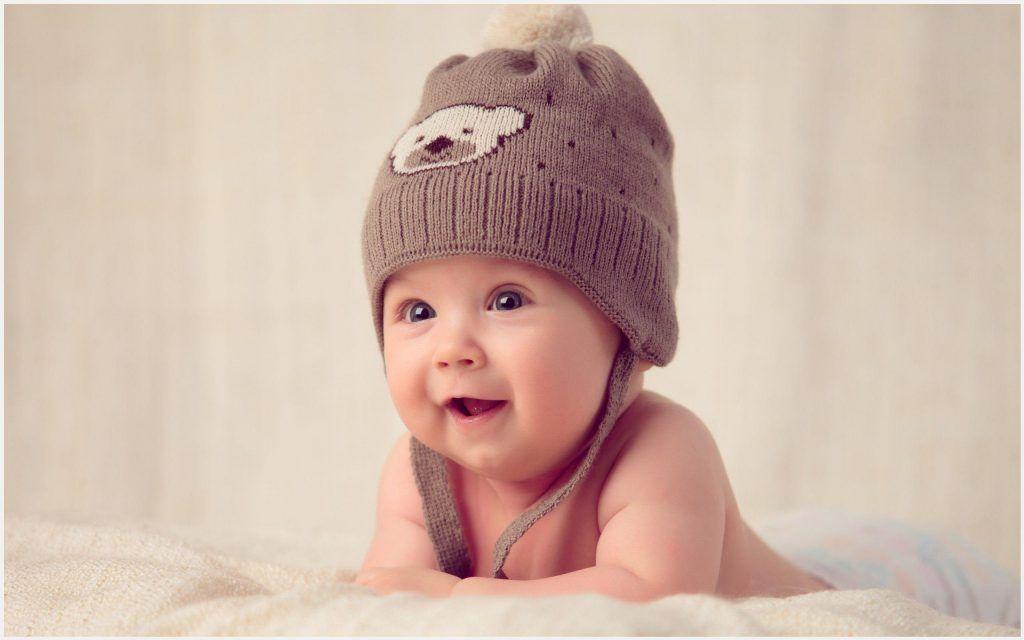 Happy Baby Wallpaper
