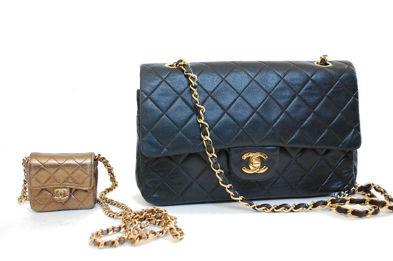 Check out my review of a really tiny quilted Chanel bag! This very small  bag can t hold a lot f53bcfcff4efa