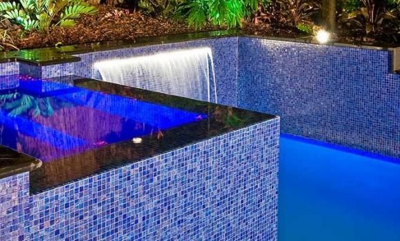 Bisazza pool tile bisazza pinterest pool retaining for Swimming pool wall tiles