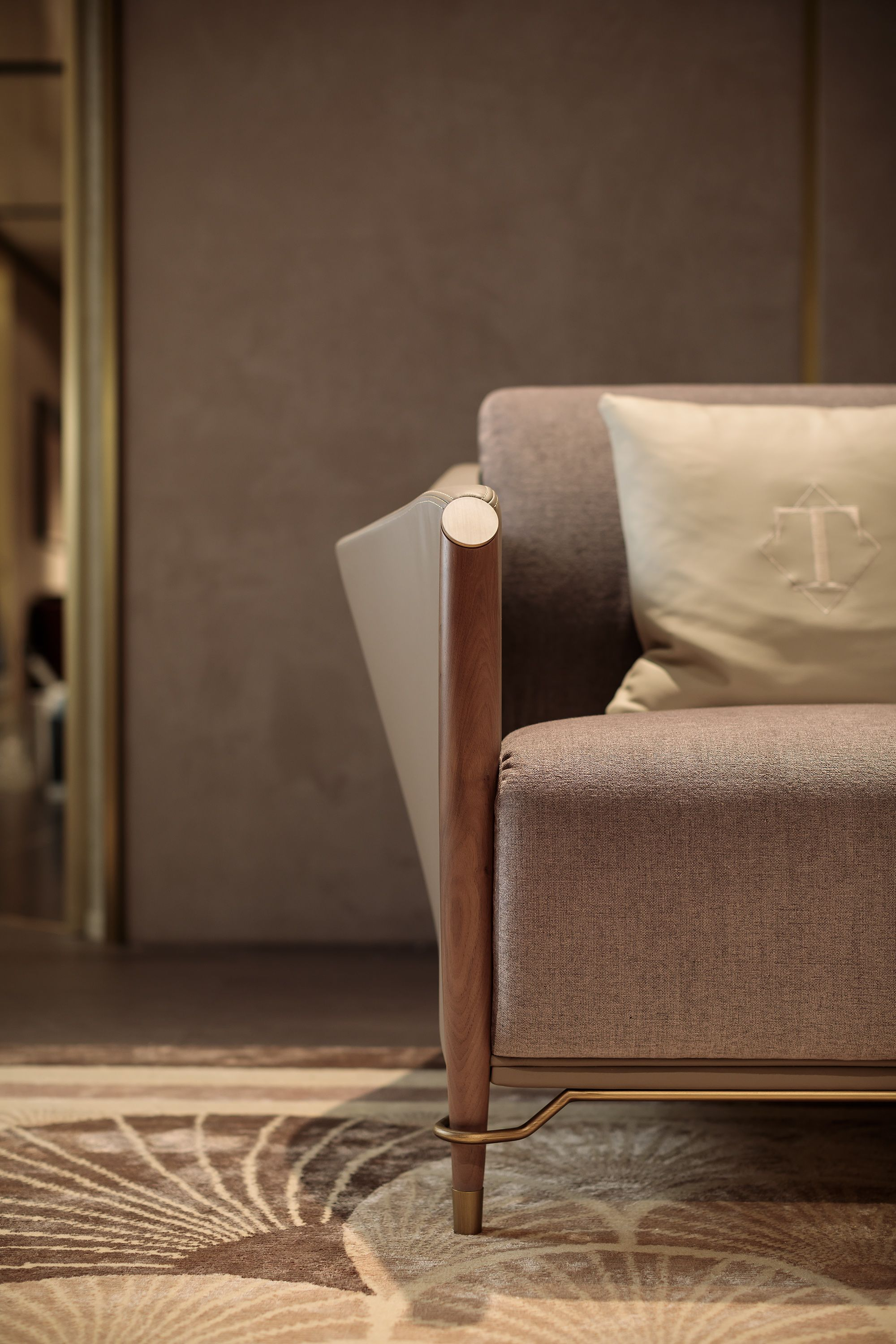 Italian Furniture For Exclusive And Modern Design Small Bedroom Decor Furniture Luxury Home Furniture