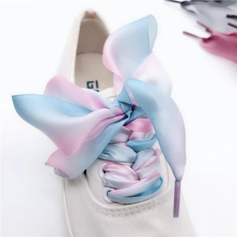 Lace sneakers, Shoe laces