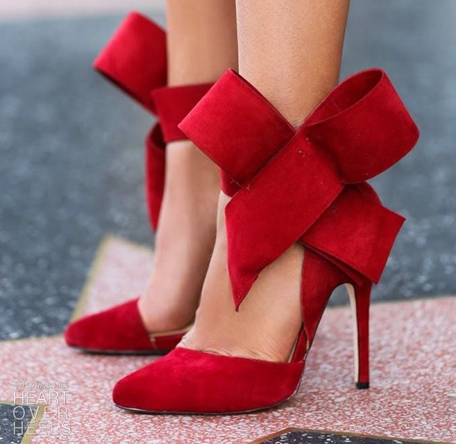 b7acd0af14c Aminah Abdul Jillil Red Bow Pumps