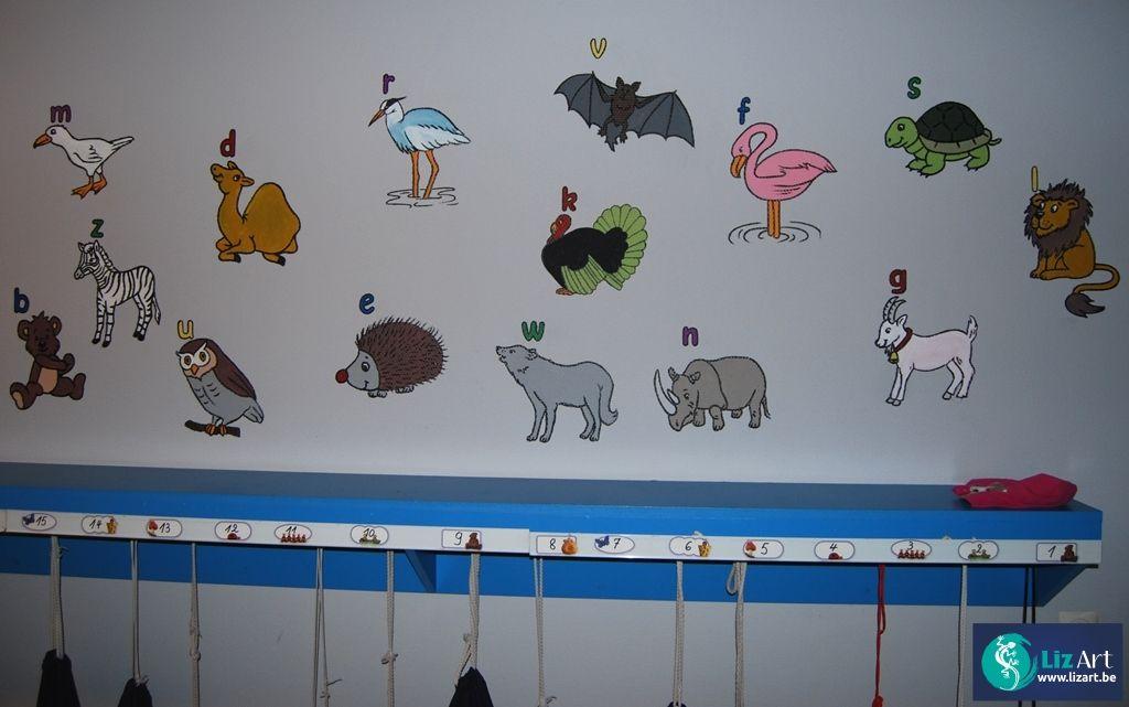 Muurschildering van een dierenalfabet