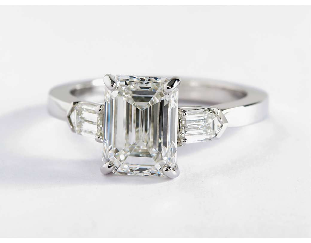 jewelry j solitaire asscher id diamond ring cut rings at engagement z bullet hancocks by shoulders with carat