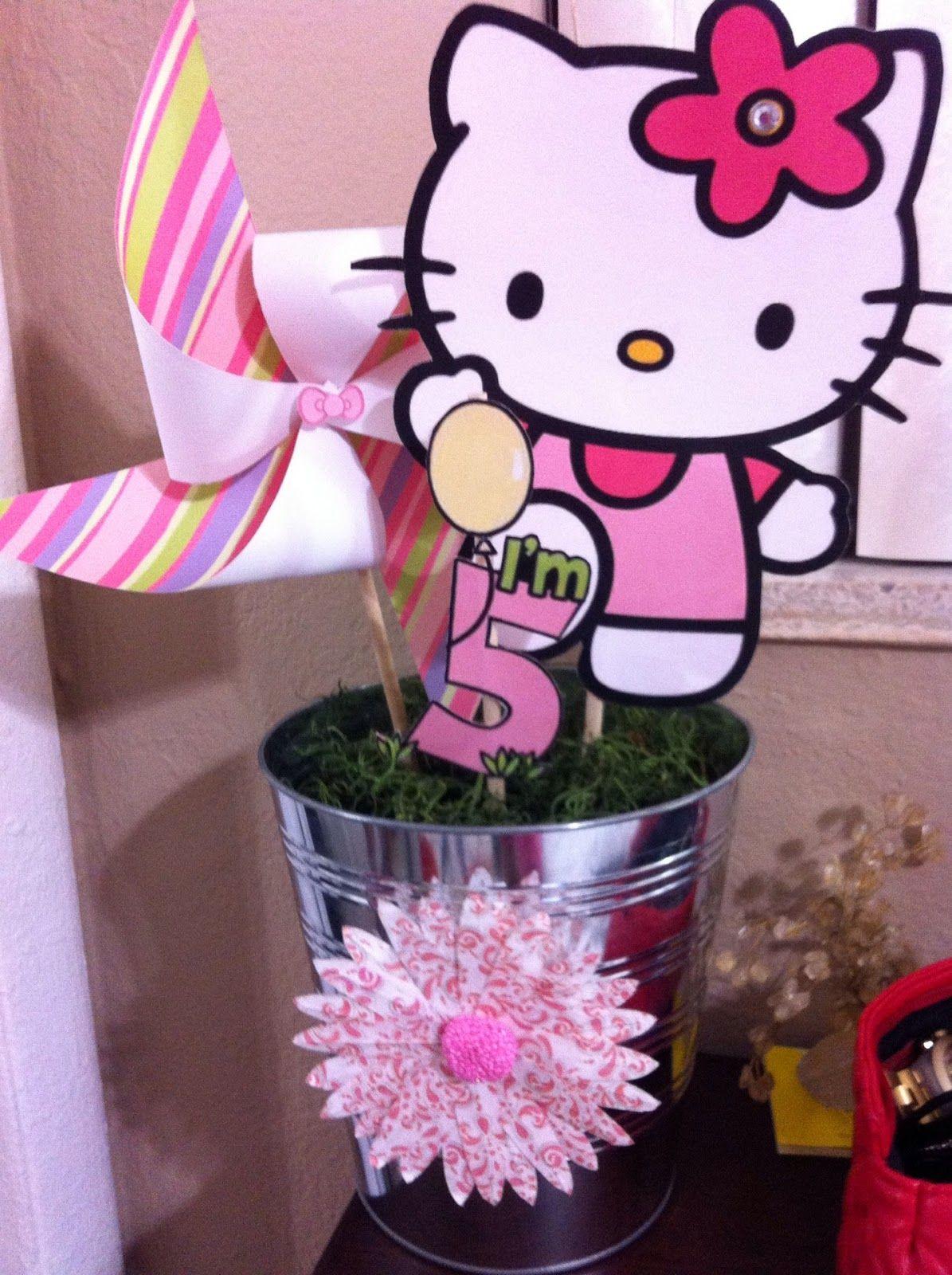 Hello kitty scrapbook ideas - Hello Kitty Centerpieces