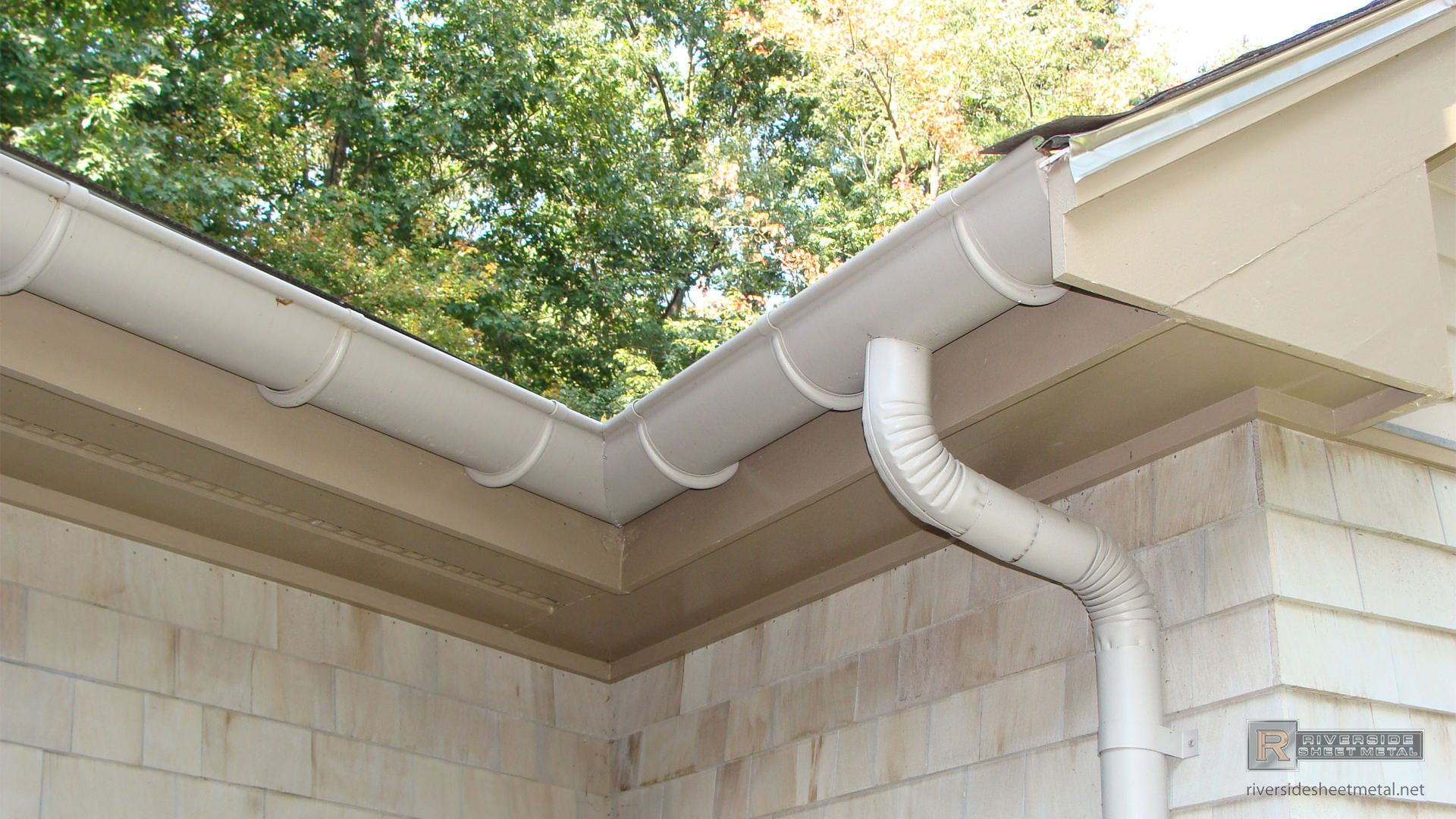 Gutters Copper Aluminum Half Round K Style Box Ogee Gutters How To Install Gutters Roof Detail