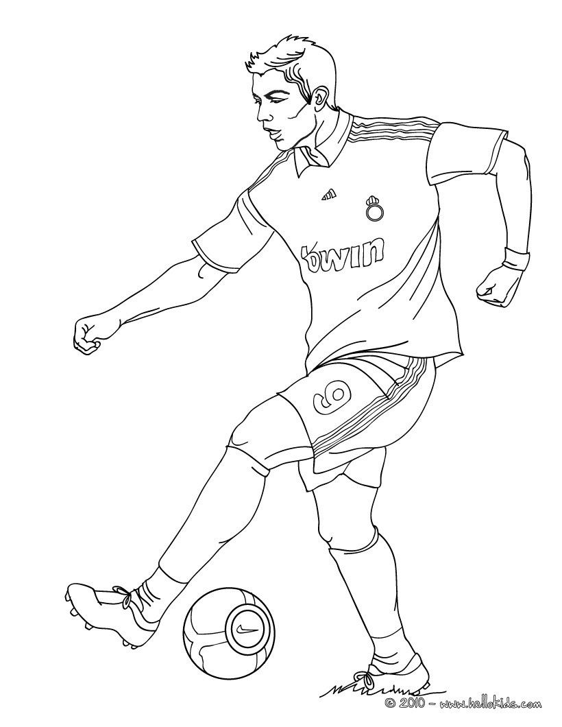 Free printable coloring pages soccer - Christiano Ronaldo Playing Soccer Coloring Page