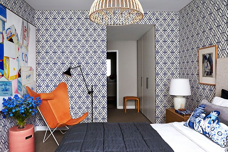 Orange and blue bedroom, perfect for a summer look