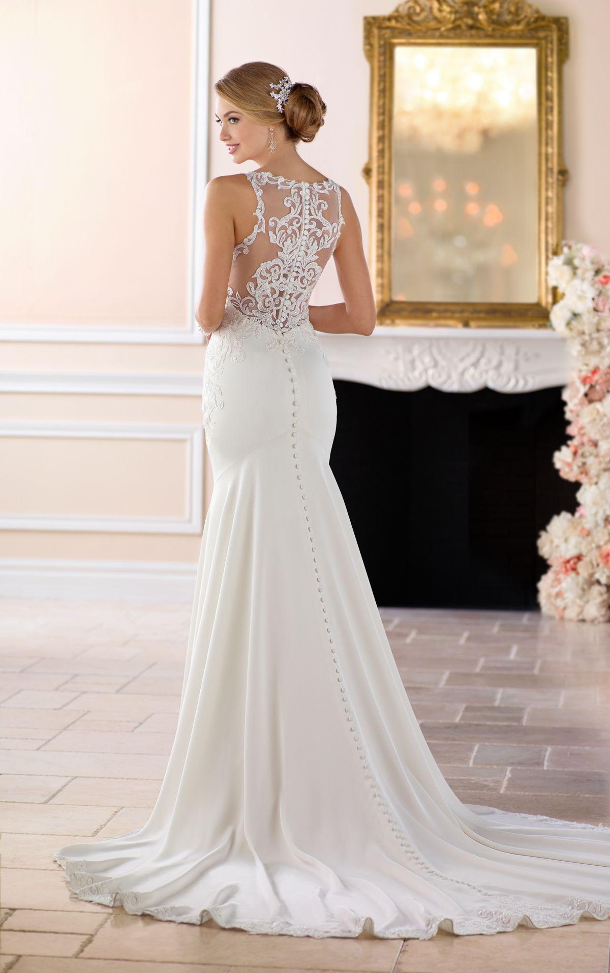 Hochgeschnittenes Etui-Brautkleid in 14  Hochzeitskleid