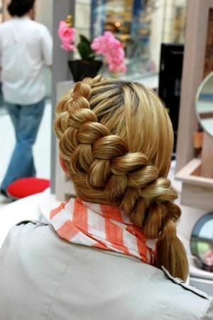 super elegant good for young adults teens or preteens lol. its a playful look for girls