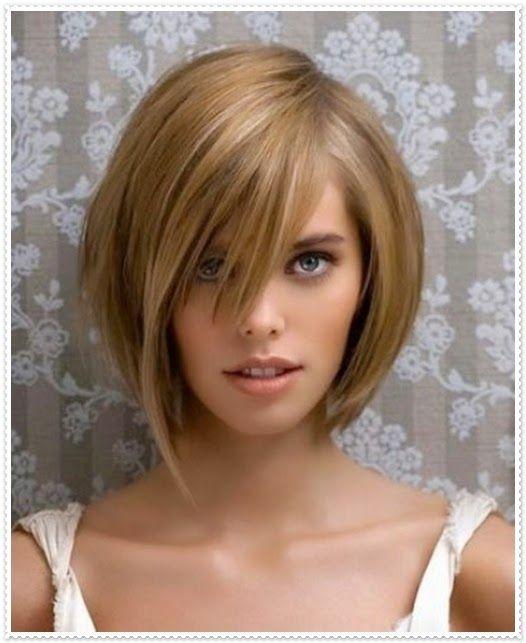 Haarfrisur Mit Kurzen Und Schragen Pony Frisuren Haarschnitte Kurzhaarfrisuren Haarschnitt