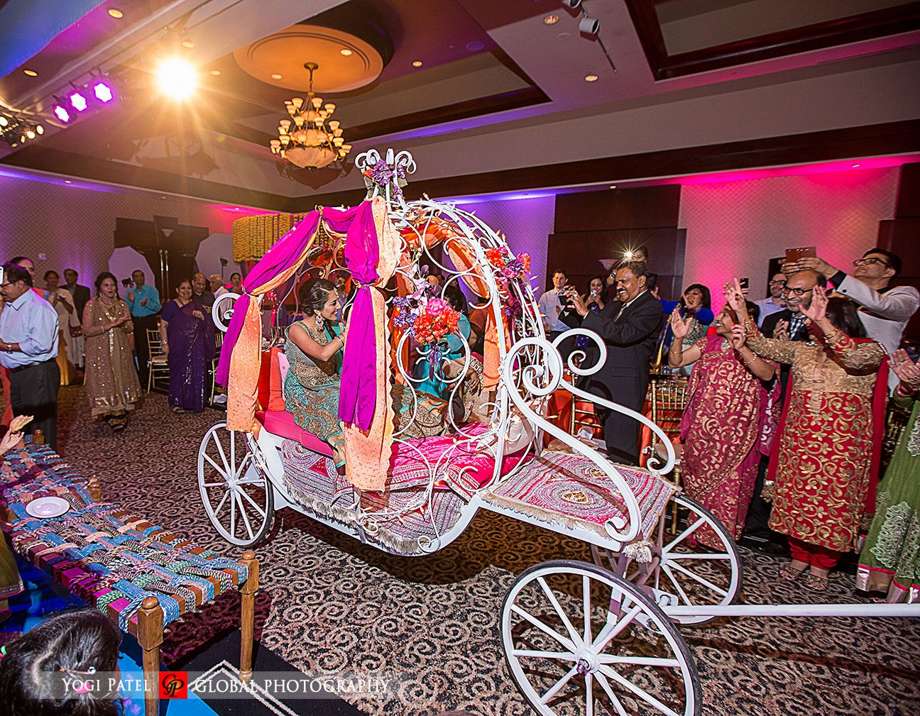Bride And Groom S Grand Entrance: This Bride Made A Grand Entrance In A Cinderella Coach At