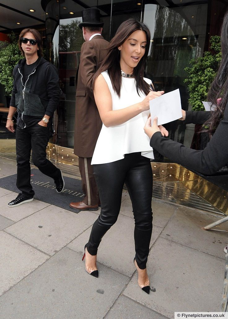 Top 10 Best Kim Kardashian's Outfits | 10., Kim kardashian and Pants